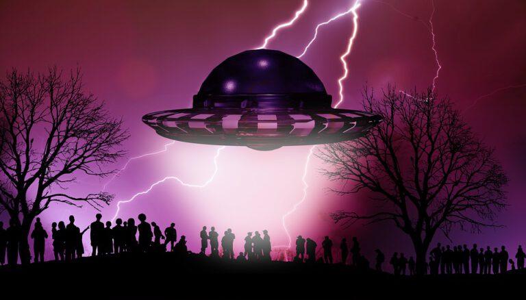 3 Mustertexte Weihnachten geschäftlich: Die Außerirdischen kommen
